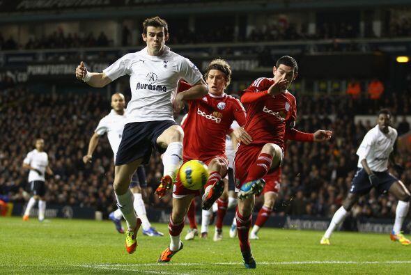 En otro juego del día, el Tottenham enfrentó al West Bromwich.