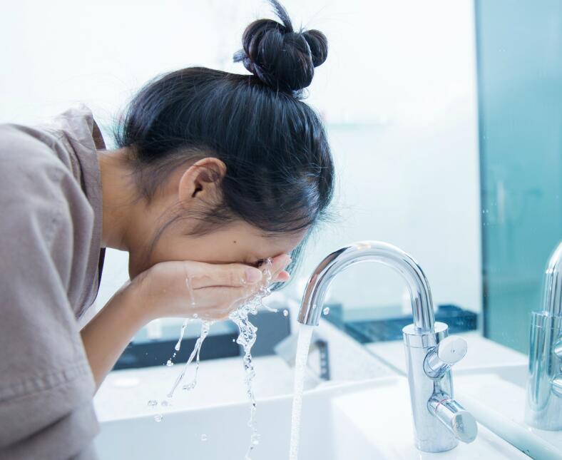 salud manias uñas pelos