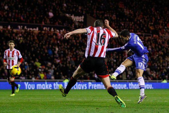 Hazard hizo su segundo gol del juego y Phillip Bardsley marcó ano...