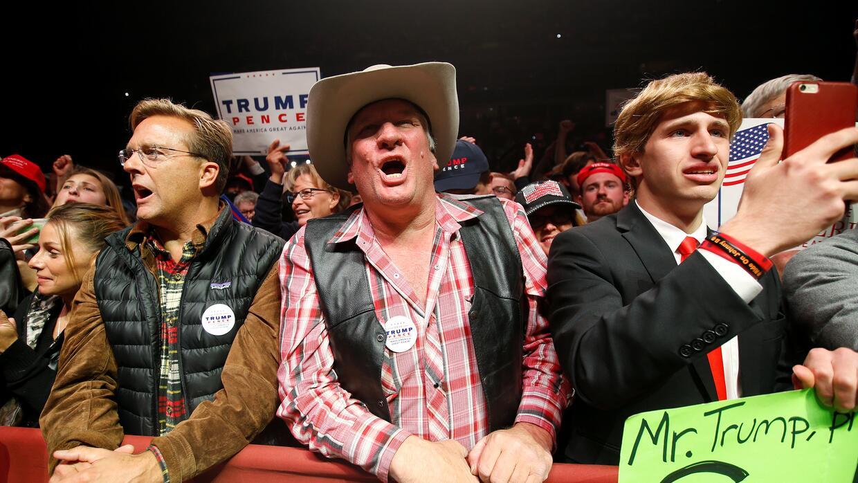 Seguidores de Trump en su mitin en Manchester, New Hampshire.