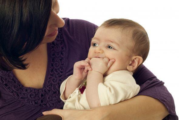 ¿Cómo hacerle el masaje? Utiliza un dedo limpio y una almohadilla de gas...