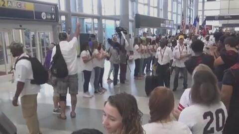 Recibimiento de héroes para los veteranos de guerra que llegaron a Houston