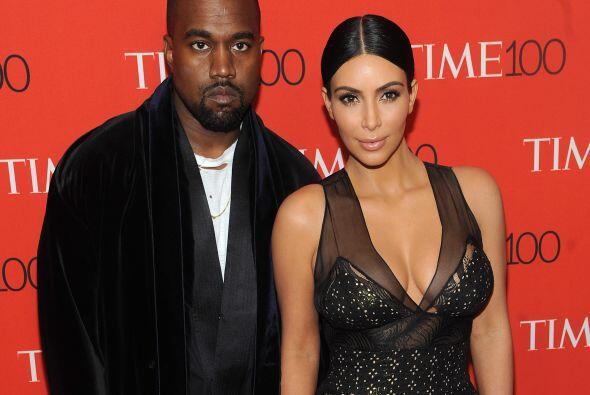 Kim y Kanye fueron muy asediados con la prensa.