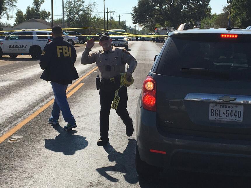 Funcionarios del FBI clausuraron toda la escena del crimen.