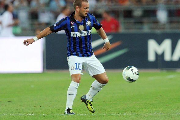 Pero el Inter de Milán tampoco deja de analizar hacerse de Tévez, razón...