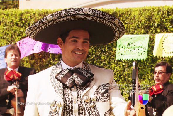 ¡Ahhh! Y Diego no se quedó atrás, te trajo una serenata bellísima.