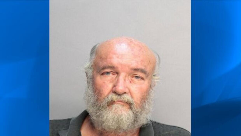 Botell es un exconvicto por asesinato. En 1980 este fue encontrado culp...