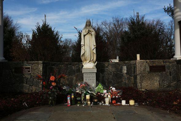 """""""La comunidad está reuniéndose y rezando. Están destrozados. No solo las..."""