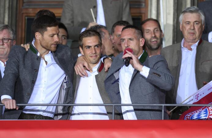Rosicky, Kaká y otros grandes del fútbol que finalizaron su carrera prof...