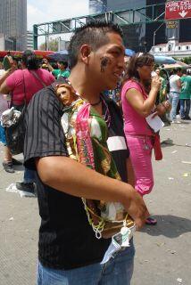 Cientos veneran el 28 de cada mes a San Judas Tadeo.