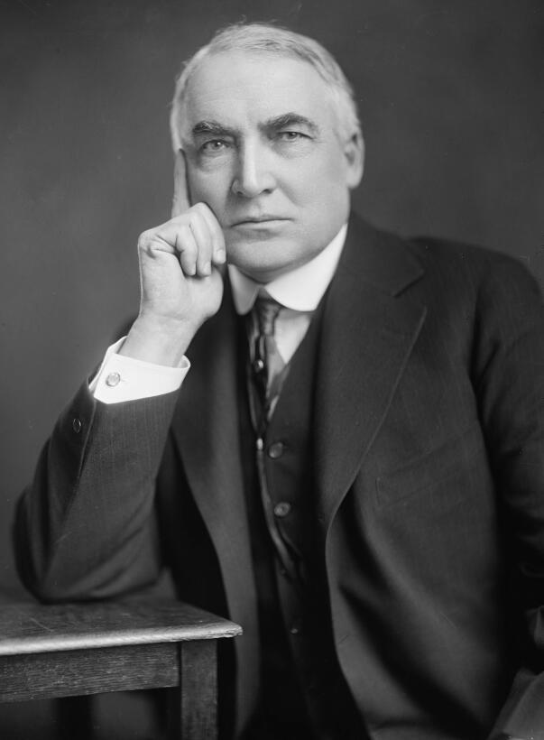 Warren G. Harding (1921-1923) fue el primer presidente en tener un radio...