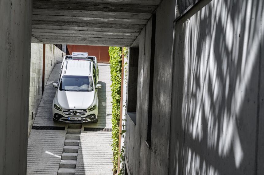 Esta es la nueva Mercedes-Benz Clase-X en fotos 17C384_008.jpg