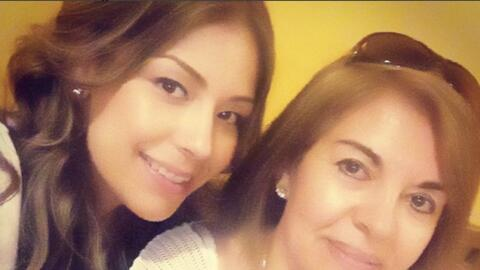 Evelyn Sicairos - Día de las Madres