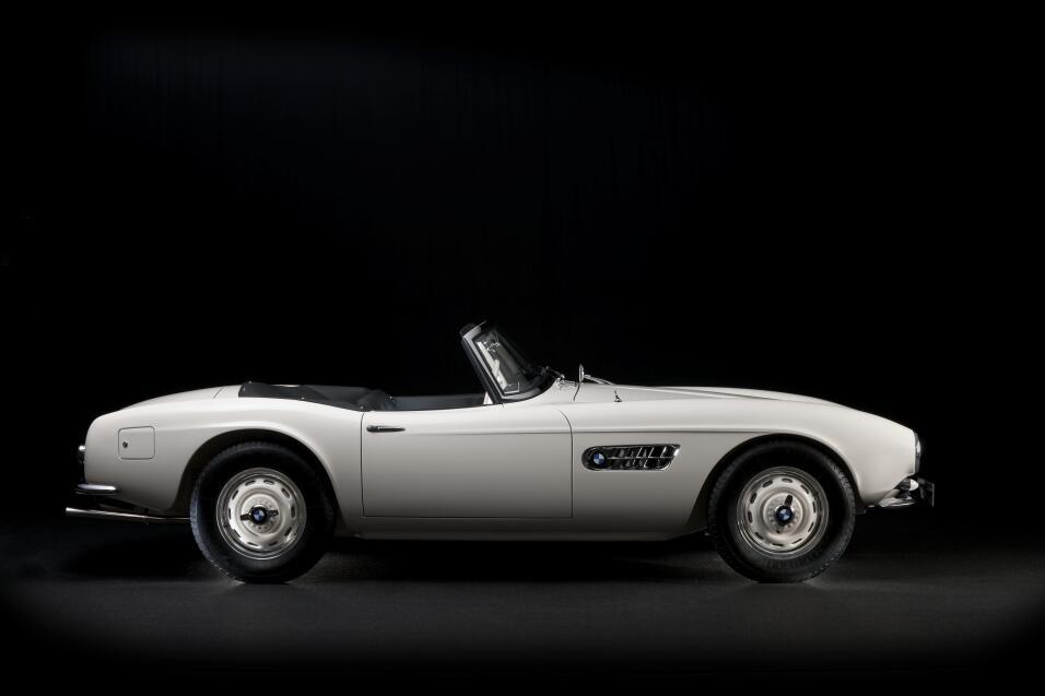 El día que Elvis compró un BMW P90229723_highRes_elvis-bmw-507-08-201.jpg
