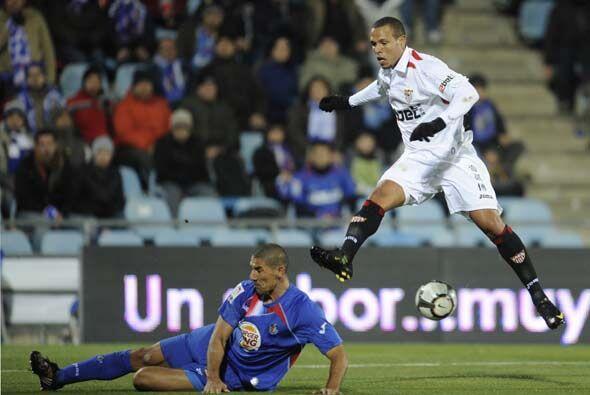 El Sevilla buscó al contragolpe ampliar la ventaja global a su favor.