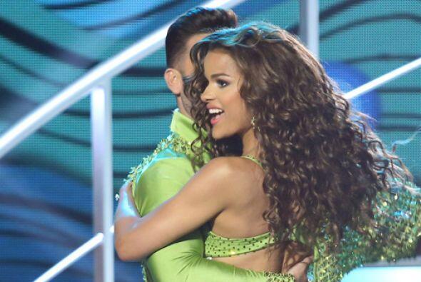 Clarissa y el actor Mauricio Mejía bailaron un contagiose merengu...