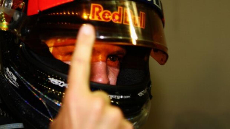 Vettel se volvió a meter en la lucha por el campeonato gracias a su vict...