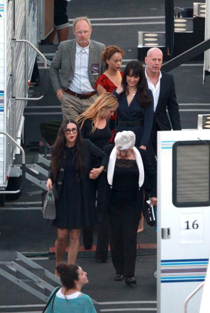 Demi llevó a su mamá de la mano.