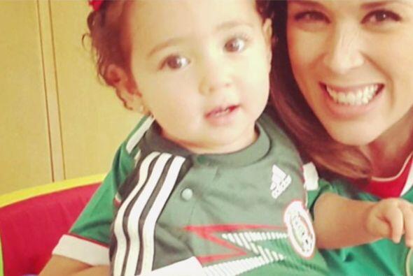 Jackie Bracamontes etaba próxima a tener su bebito, pero nada detuvo su...