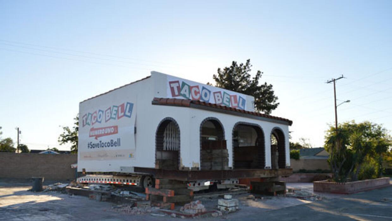 Todo listo para trasladar el primer Taco Bell a su nuevo destino