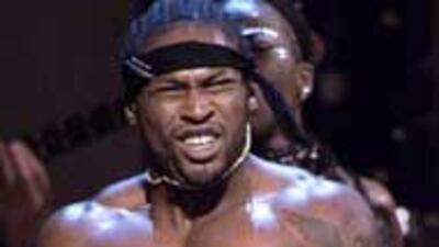 El cantante D'Angelo fue arrestado por intentar pagarle a una mujer para...