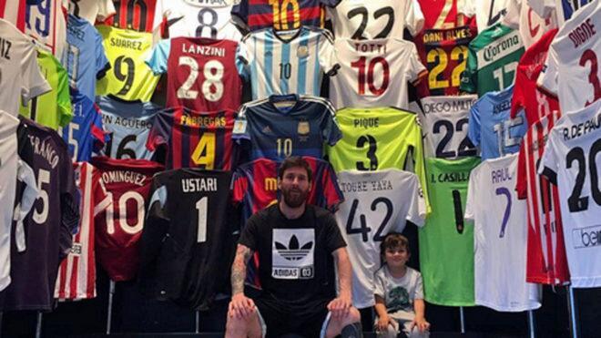 Messi llega a Argentina para ultimar los preparativos de su boda Camiset...
