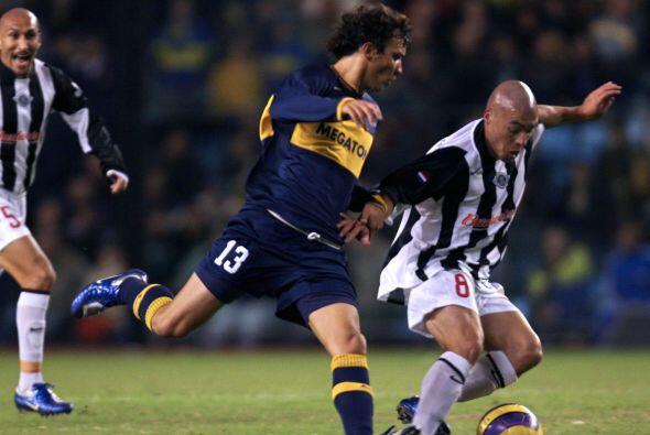 El flamante refuerzo Nicolás Bertolo presumirá una Copa Libertadores 200...