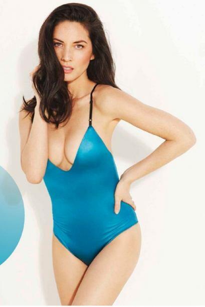 La bella actriz y modelo estadoundense conquistó con su tremendo cuerpo...