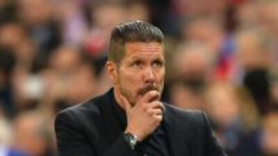 El técnico del Atleti vio un clásico de Champions en el Calderón.