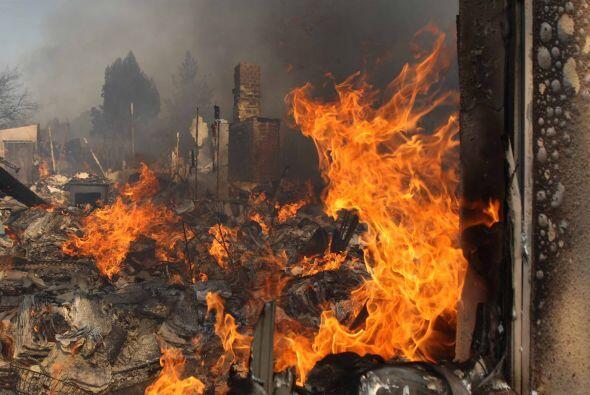 Hasta el momento una persona muerta y un bombero fue afectado afectado p...