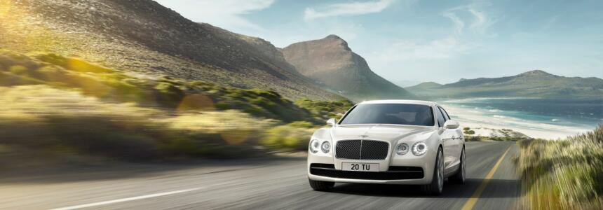 Un modelo distintivo de Bentley: el Flying Spur se desplaza gracias a un...