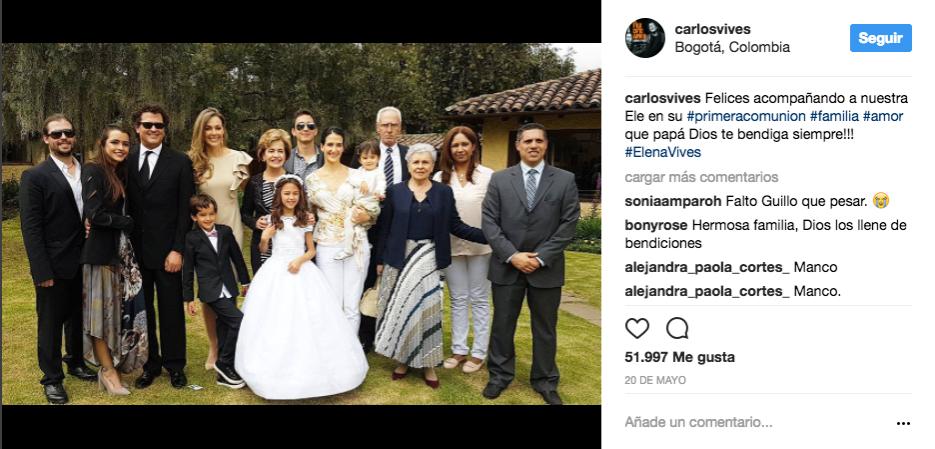 Durante la primera comunión de su pequeña Elena.