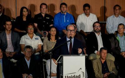 Oposición de Venezuela hace un llamado a desconocer al gobierno de Nicol...