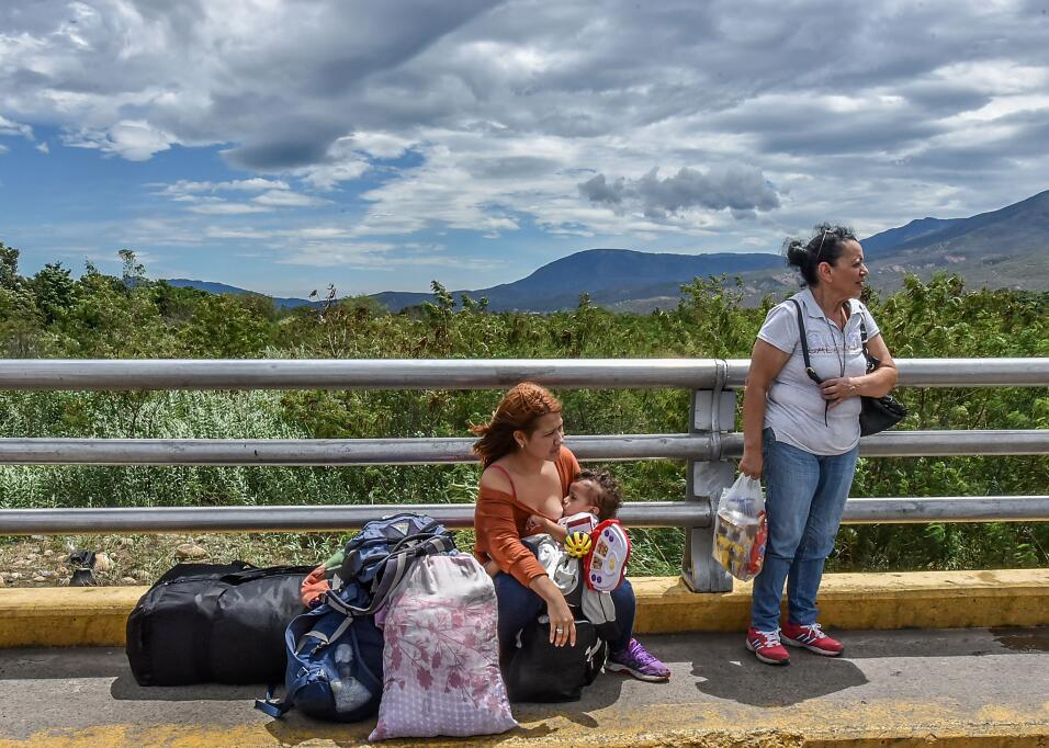 Venezuelan citizens rest in Cucuta, Norte de Santander Department, Colom...