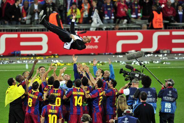 Pero al que sí mandaron a volar fue a Josep Guardiola. Miren qué alturas...