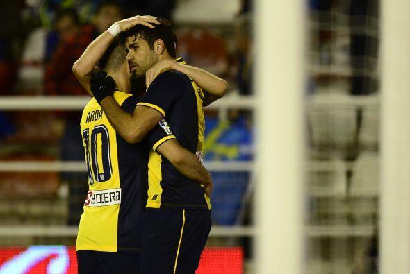 David Villa abrió el marcador para el Atlético en el minuto 8, al recibi...