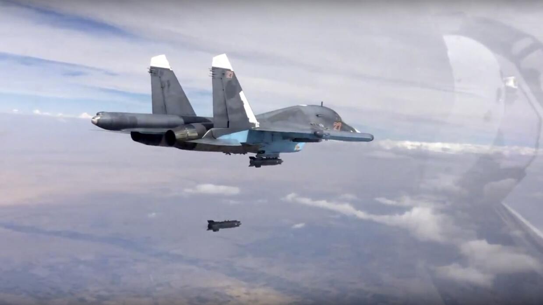 Avión ruso bombardeando Siria