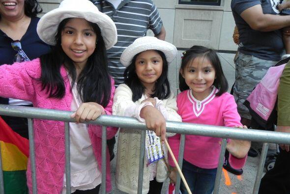 Los niños en el desfile de la Hispanidad 34022e2eb18646018b8a26825998250...