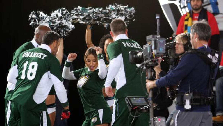 Las leyenda de la NFL y las celebridades latinas se divirtieron de lo li...