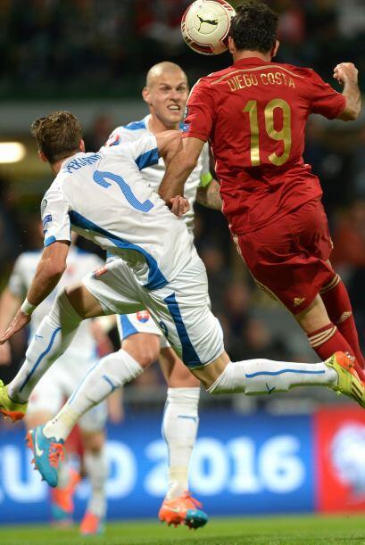 Otro que sigue sin demostrar su poder goleador con España es Diego Costa...