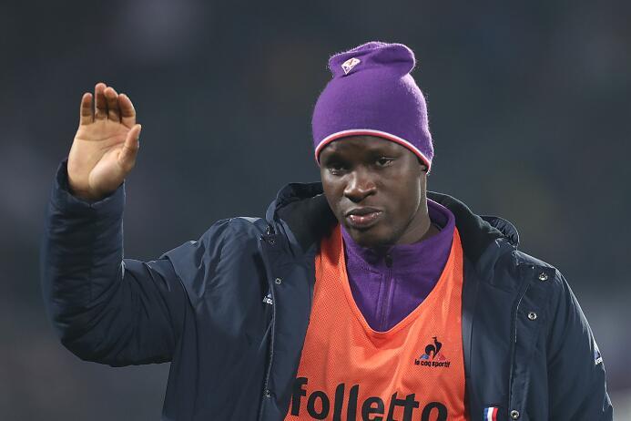 El delantero Khouma Babacar, de la Fiorentina, estaría haciendo maletas...