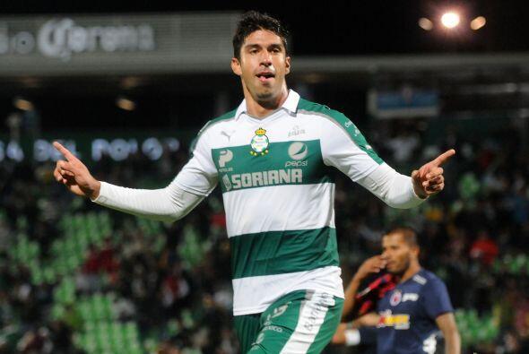 Otro que regresa al equipo tras su corta estancia con el Santos es Eduar...