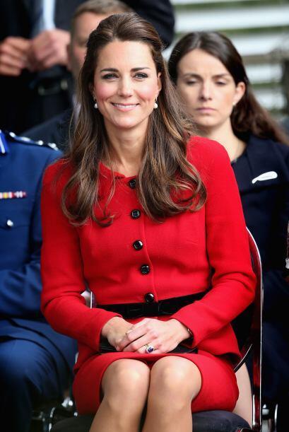Este es el precio que se paga al pertenecer a la familia real. Más video...