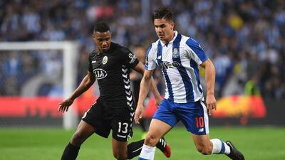 'Tecatito' Corona se disfrazó de Van Basten en el empate del Porto