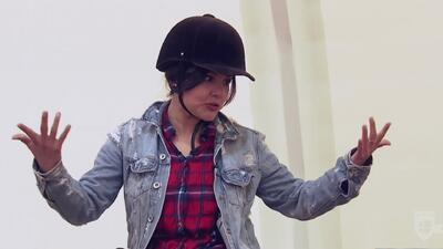 Cristina Romero cabalgó al estilo cosaco en Rusia