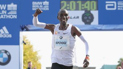 El keniano Kipchoge rompe el récord mundial de maratón en Berlín