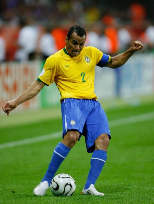 Cafú (Brasil) - con la Canarinha, ganó dos Copas del Mundo (1994 y 2006)...