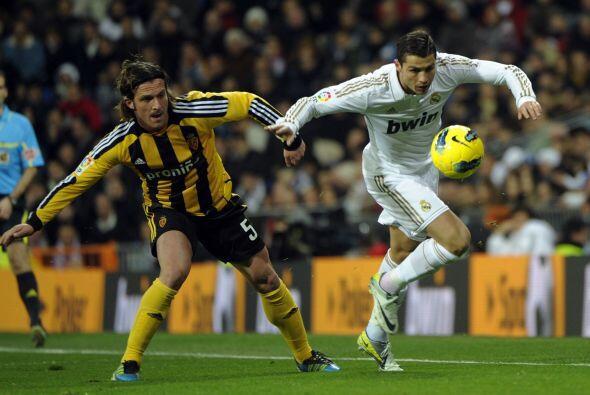 Con el resultado abajo, el Madrid salió a buscar el empate.