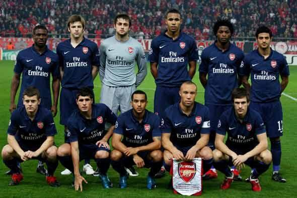 El Arsenal jugó en Grecia contra Olympiacos con un equipo repleto...