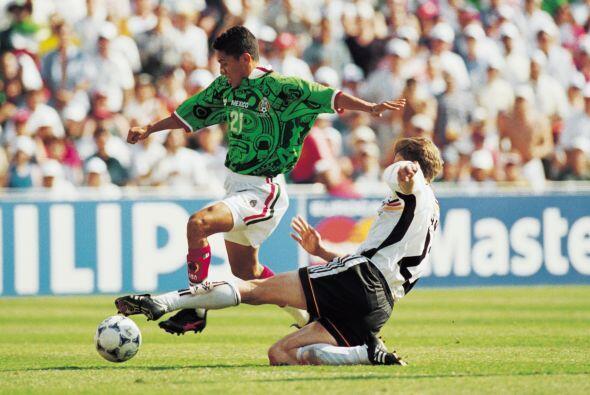 En Octavos de Final se vio las caras con Alemania, México comenzó ganand...